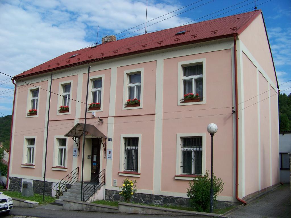 Obec Vrané nad Vltavou obecní úřad